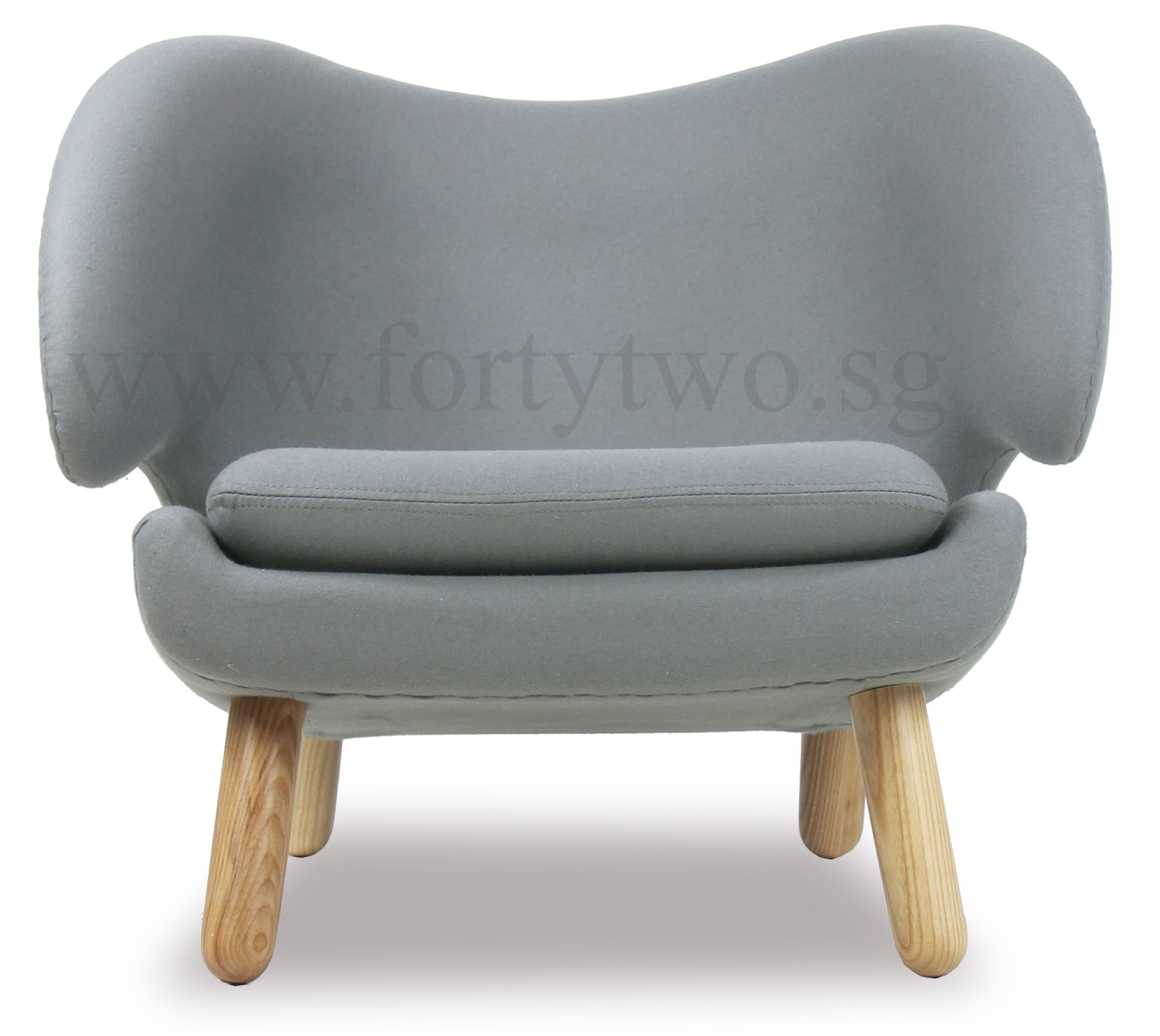 Designer replica pelican chair in light grey furniture for Imitation designer chairs