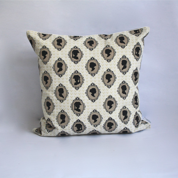 Cameo Champagne Pillow 2