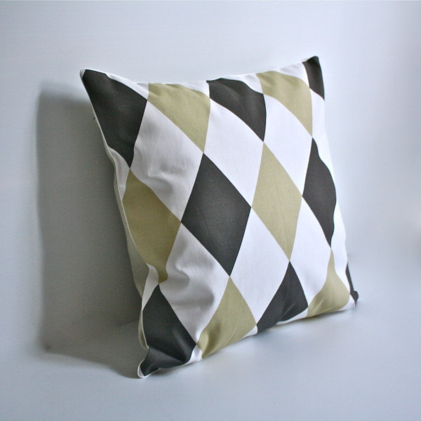 Gaëlle Geometric Series - 50cm x 50cm Harlequin Pillow in Coffee
