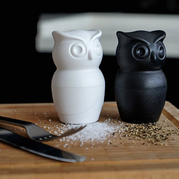 Tasty owl salt pepper grinder white by qualy furniture home d cor fortytwo - Owl salt and pepper grinders ...