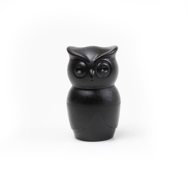 Tasty owl salt pepper grinder black by qualy furniture home d cor fortytwo - Owl salt and pepper grinders ...