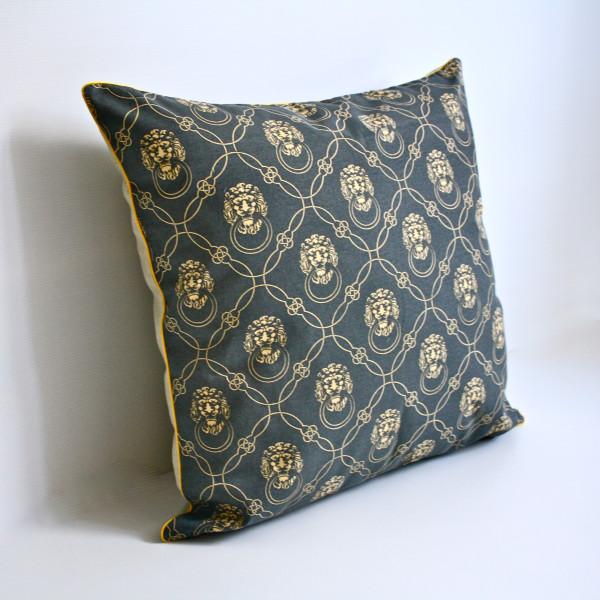 Leonis Petite Pillow in Navy