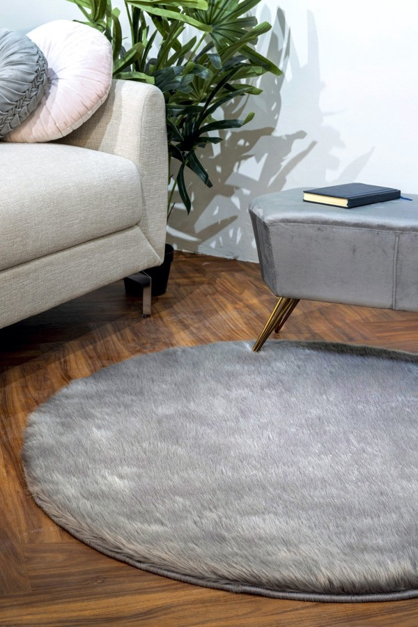 Quinsy Plush Faux Wool Round Carpet (Charcoal)