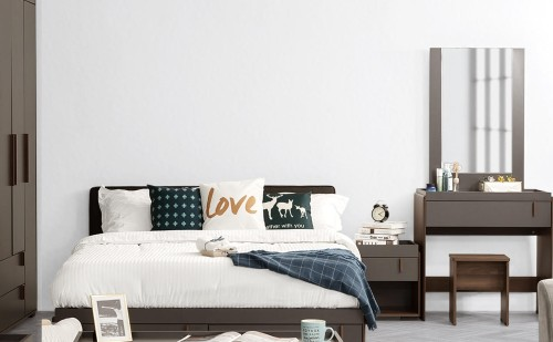 Ashry Bedroom Set